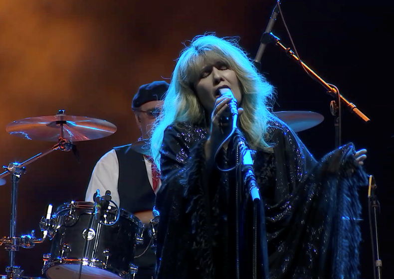 Claudette - Fleetwood Mask the Fleetwood Mac experience tribute band